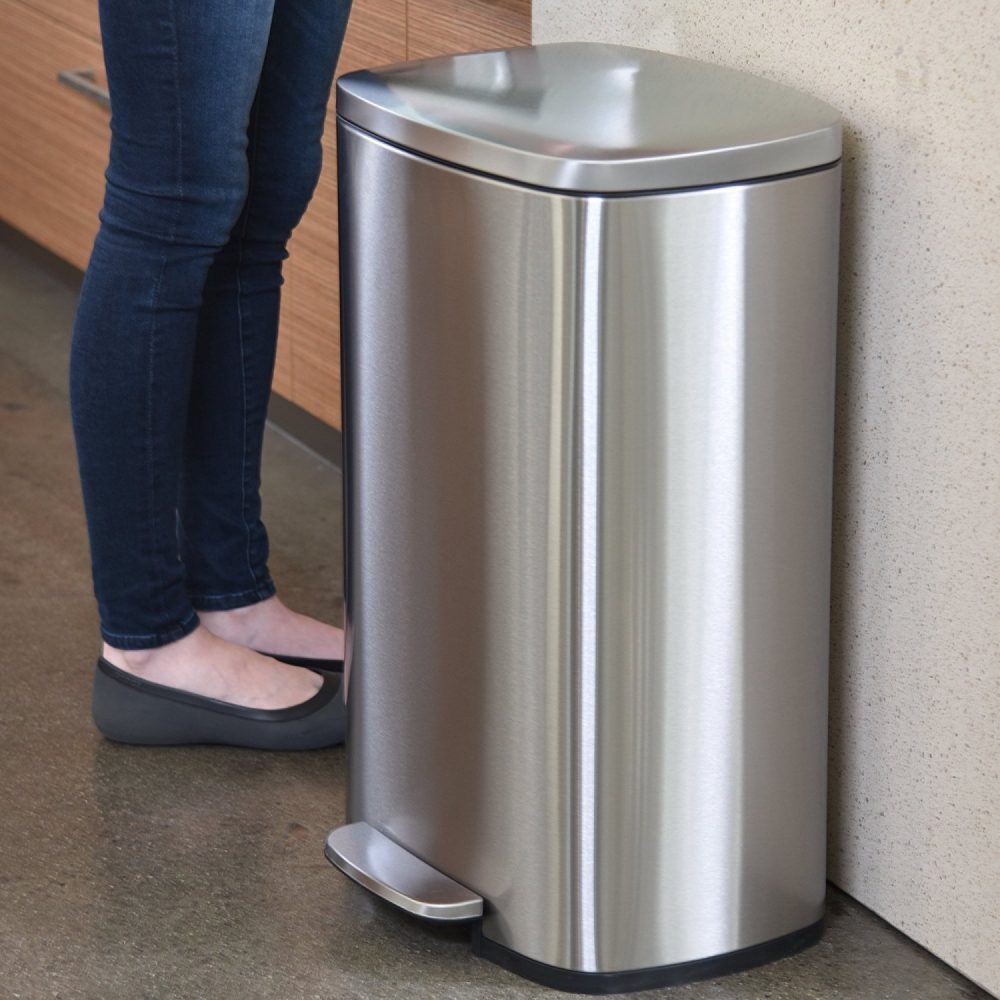 The 5 Best Kitchen Trash Cans That Want To Eat Your Garbage