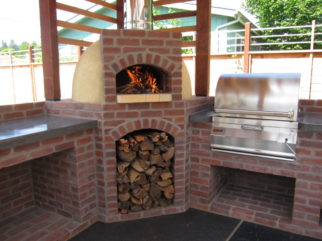 The Best Design Ideas For Outdoor Fireplaces With Pizza Ovens