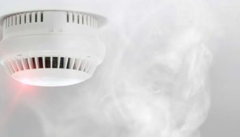 Smoke-vs-Heat-Detector-Featured