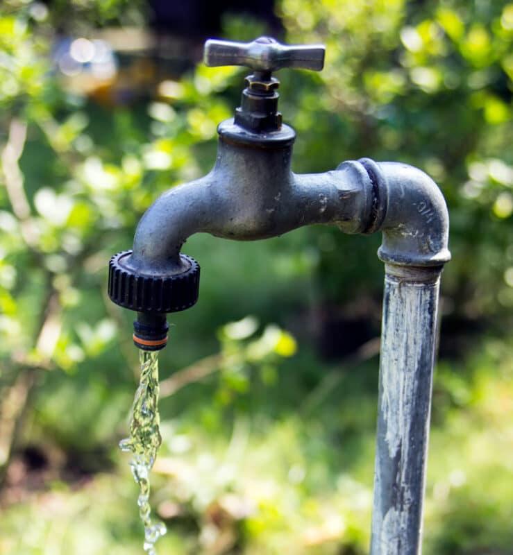 Flowing garden tap