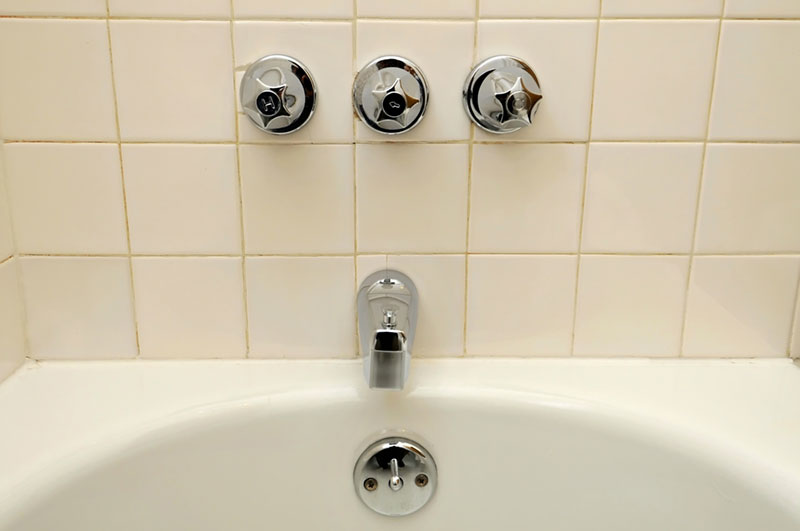 Shower with three knobs