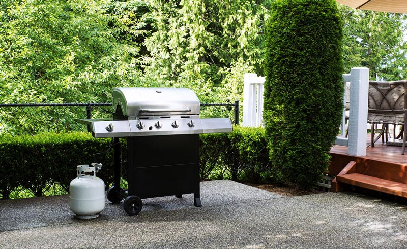 grill with a tank properly connected